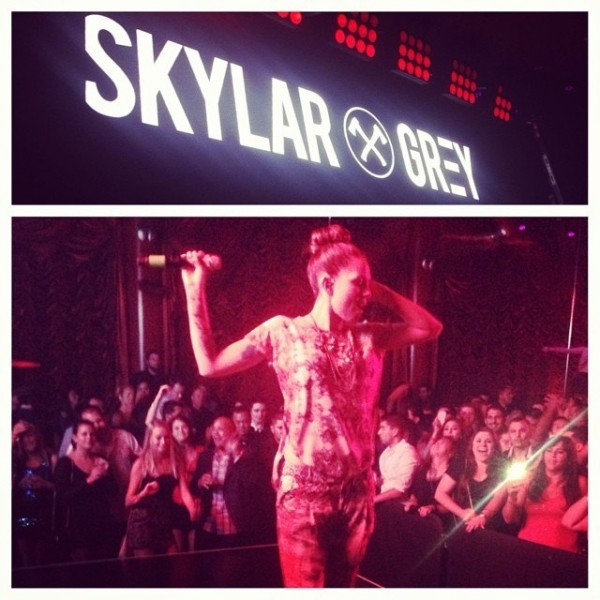 The lovely @SkylarGrey tore the roof off of Surrender tonight 8 ноября 2013