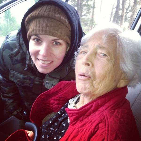 Skylar Grey и её бабушка