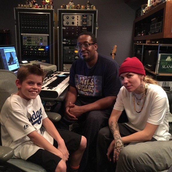 2015.01.30 - Skylar Grey in Studio