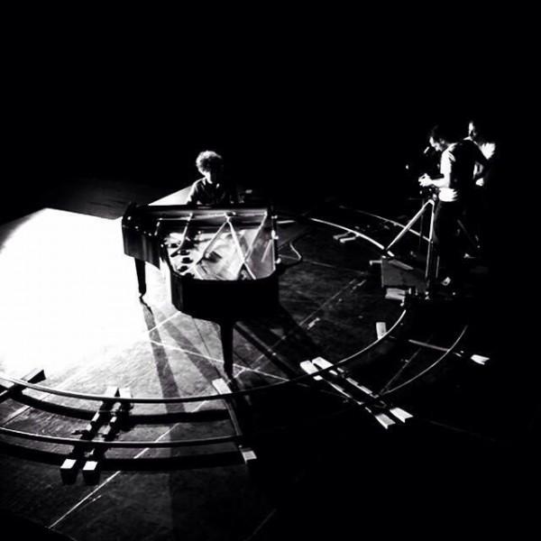 Новое фото со съемок клипа на «I Know You» Skylar Grey