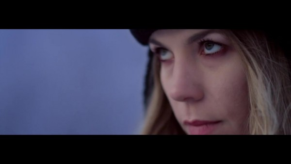 Перевод текста трека Skylar Grey «Moving Mountains» на русский язык
